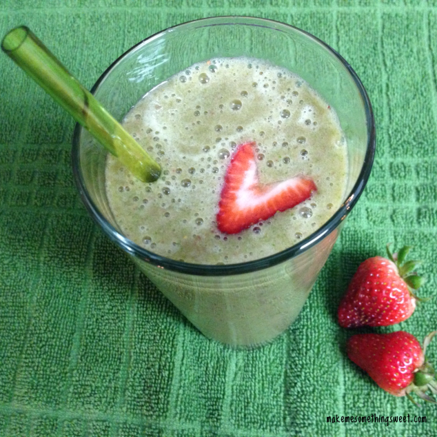Green Strawberry Banana Smoothie